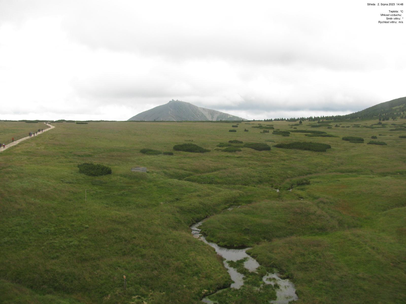 Luční bouda - pohled na Sněžku