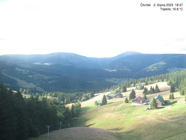 Webcam Ski Resort Pec pod Snezkou cam 2 - Giant Mountains