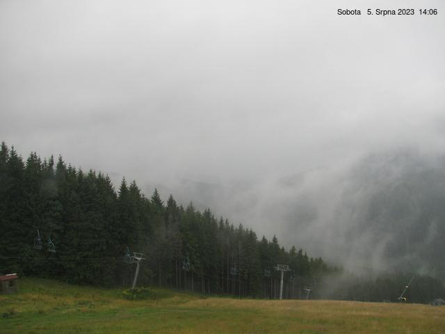 Webcam Skigebied Pec pod Snezkou cam 4 - Reuzengebergte